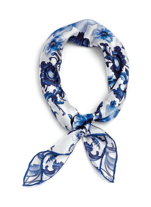Foulard de soie à motif fleuri , Bleu, hi-res
