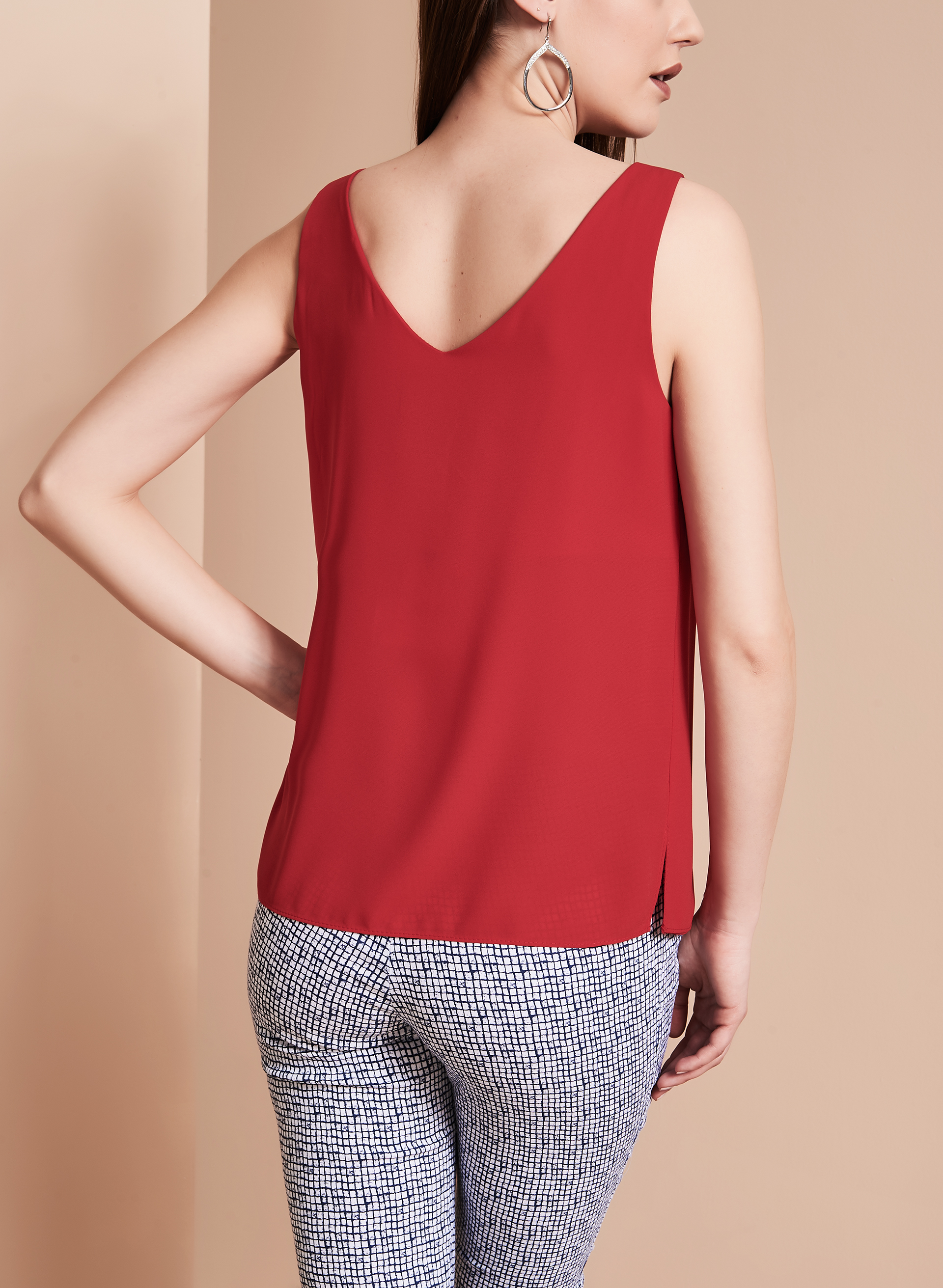 Frank Lyman Sleeveless V-Neck Blouse, Red, hi-res
